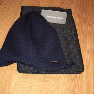 NWT Men's Michael Kors Hat & Scarf Set